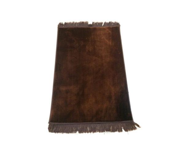 Photo Grand tapis de luxe épais couleur uni marron sans motifs -